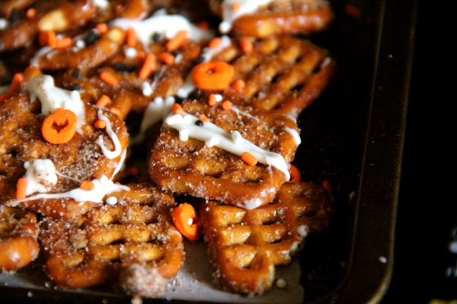 Pumpkin Spice Pretzels with White Chocolate Drizzle