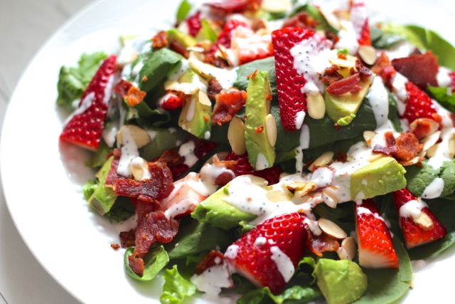 salad4 Bacon, Avocado & Strawberry Salad with Greek Yogurt Poppyseed Dressing