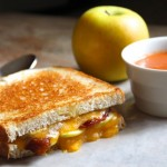 Grilled Cheese Sandwiches with Green Apples & Bacon